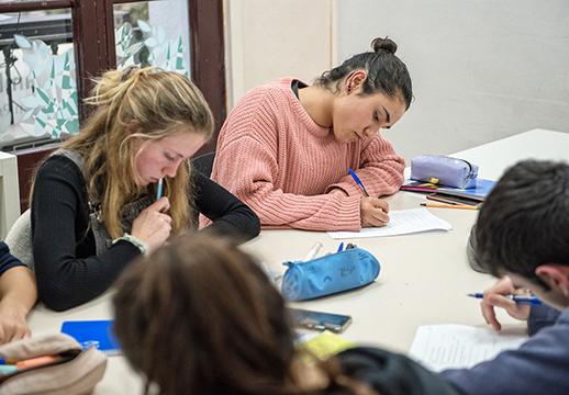 Mock Exams en Thames Cerdanyola